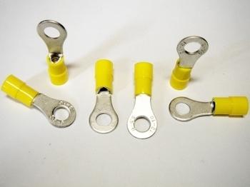 <p> Isoleeritud vasest juhtmeotsikud 4-6mm², kollased, Solar Plus, AB 4665 R</p>