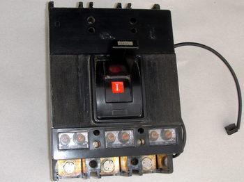 <p> Автоматический выключатель 3-фазный, 500A</p>