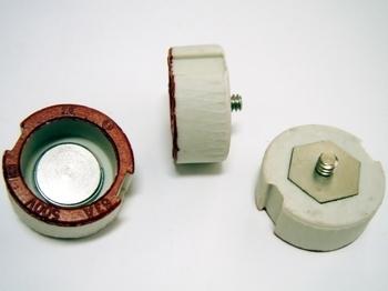 <p> Sulavkaitsme keraamiline põhjakontakt 63A/500V, Ifö Electric, 63/500ST</p>