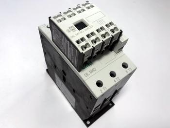 <p> Kontaktor 3-faasiline 50A(32kW), DIL M40, Moeller, 277766</p>