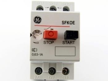 <p> Aвтомат защиты электродвигателя 3-фазный 0,63 - 1A, General Electric, SFK0E, 120005</p>