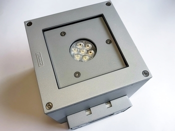 <p> Светодиодный фасадный светильник 12 Вт, MT-31423-M-W30-05, Matrix 4, Ligman</p>