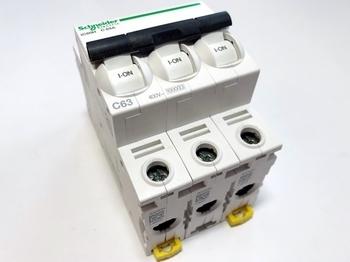 <p> Moodulkaitselüliti 3-faasiline, C 63A, Schneider Electric, iC60N</p>