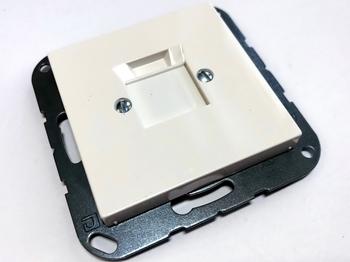 <p> Arvuti-telefoni 1-ne katteplaat Jung (sari - AS500/A500), A569-1NWEWW</p>