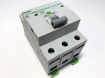 <p> Модульный рычажный выключатель 3-фазный 25A, Ex9I125, Noark, 102309</p>