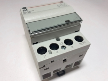 <p> Модульный контактор 3-фазный 63A(43кВт), CTX 634052, General Electric, 666156</p>