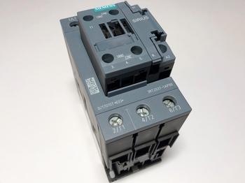 <p> Kontaktor 3-faasiline 80A(50kW), 3RT2037-1AP00, Siemens</p>