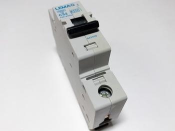 <p> Модульный автоматический выключатель 1-фазный, C 32A, Lemag</p>