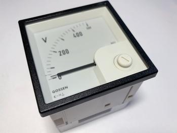 <p> Voltmeeter analoog 0-500V, EQB72, Gilgen Muller & Weigert</p>