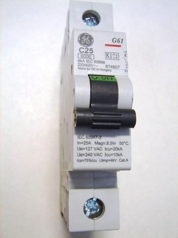 <p> Moodulkaitselüliti 1-faasiline, C 25A, General Electric, 674607, G61C25</p>