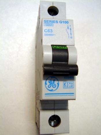 <p> Moodulkaitselüliti 1-faasiline, C 63A, General Electric, G100C63</p>