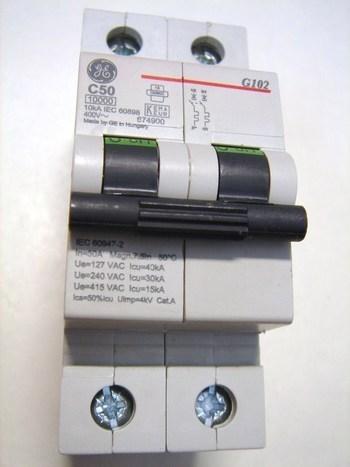 <p> Moodulkaitselüliti 2-faasiline, C 50A, General Electric, G102C50, 674900</p>