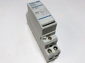 <p> Moodulkontaktor 1-faasiline 25A(4,6kW), ES210, Hager, 239210</p>