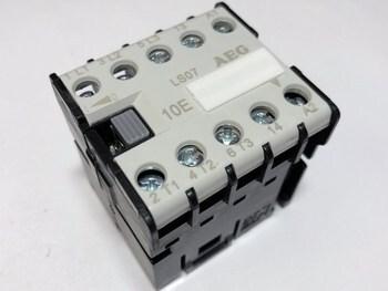 <p> Minikontaktor 3-faasiline 16A(10kW), LS07, AEG</p>