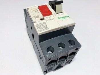<p> Mootorikaitselüliti 3-faasiline 0,25 - 0,4A, Schneider Electric, GV2ME03, 034299</p>