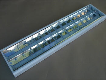 <p> Куплю светильники 2x58 Вт</p>