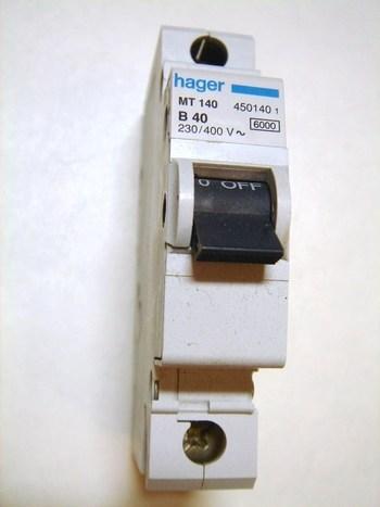 <p> Модульный автоматический выключатель 1-фазный, B 40A, Hager, MT140, 450140</p>