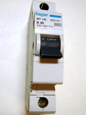 <p> Moodulkaitselüliti 1-faasiline, B 40A, Hager, MT140, 450140</p>